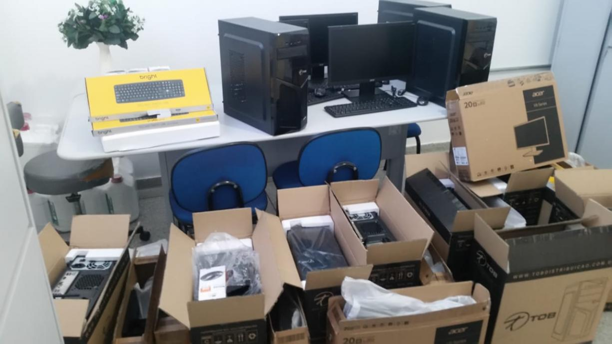 A Diretoria Municipal de Saúde de Irapuã foi contemplada com diversos equipamentos de informática oriundos de Emenda Parlamentar Federal.