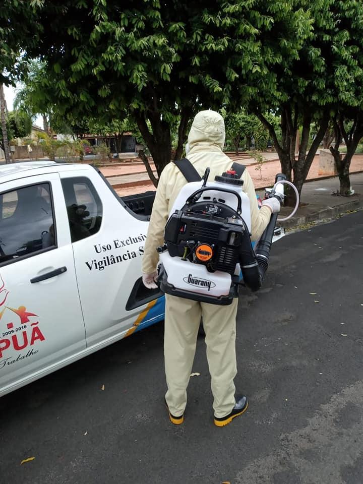 A Prefeitura Municipal de Irapuã, juntamente com a Diretoria Municipal de Saúde e Vigilância em Saúde, deu início na última quarta-feira (08/04), à intensificação das ações de prevenção contra o mosquito da Dengue, iniciando a dedetização das residências