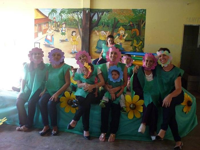 Homenagem ao dia das Mães das Crianças do