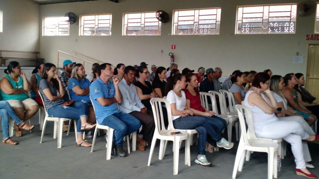 PREFEITURA MUNICIPAL DE IRAPUÃ REALIZA PALESTRA MOTIVACIONAL PARA SEUS SERVIDORES
