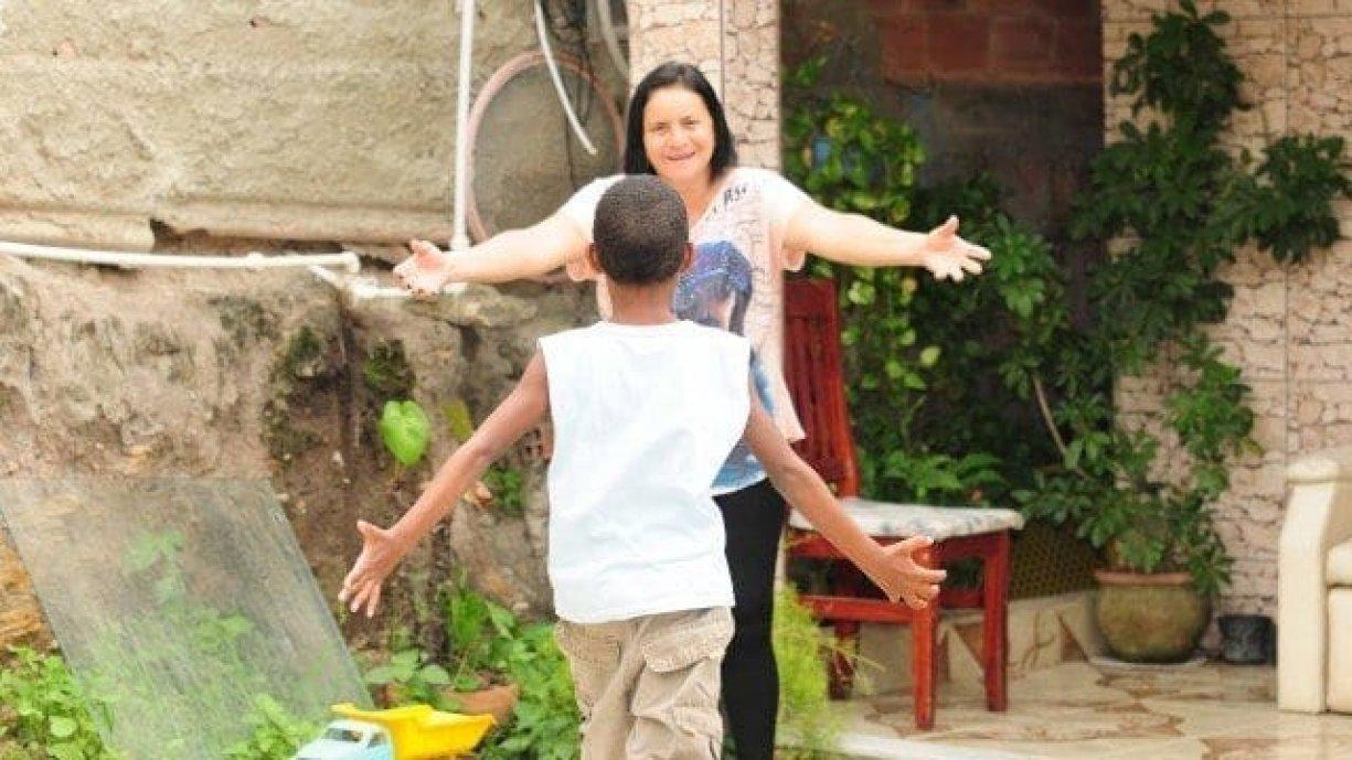 """Prefeitura de Urupês contrata """"Mãe Social"""" para a implantação do programa Casa Lar Os cadastros de interesses serão realizados na Secretaria de Desenvolvimento Social"""