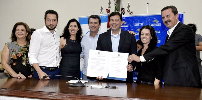 Prefeito Haroldo participa da solenidade de assinatura de convênios com a Secretaria Estadual de Desenvolvimento Social