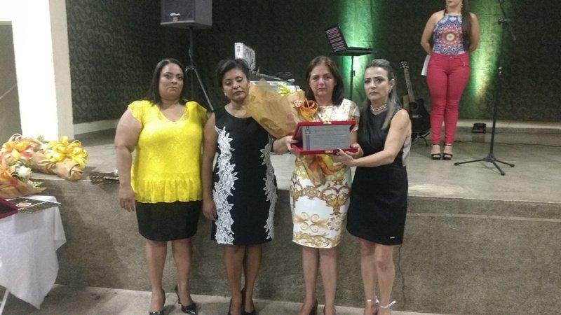 SECRETARIA MUNICIPAL DA EDUCAÇÃO PROMOVE JANTAR EM HOMENAGEM AOS PROFESSORES